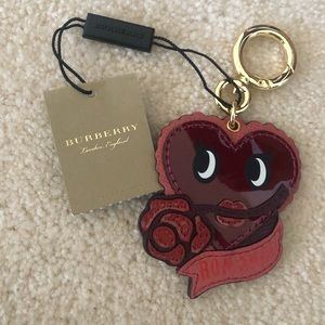 """Burberry """"Romance"""" keychain in mauve pink BMWT"""